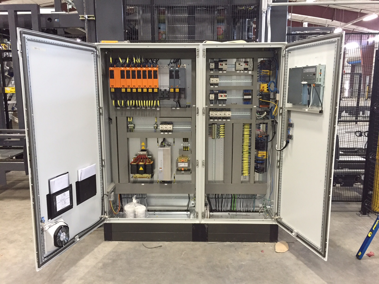 Cabinet Cooler Systems Prevent Heat From Causing Control Panel Problems Electrical Panels Can You Cool This 1